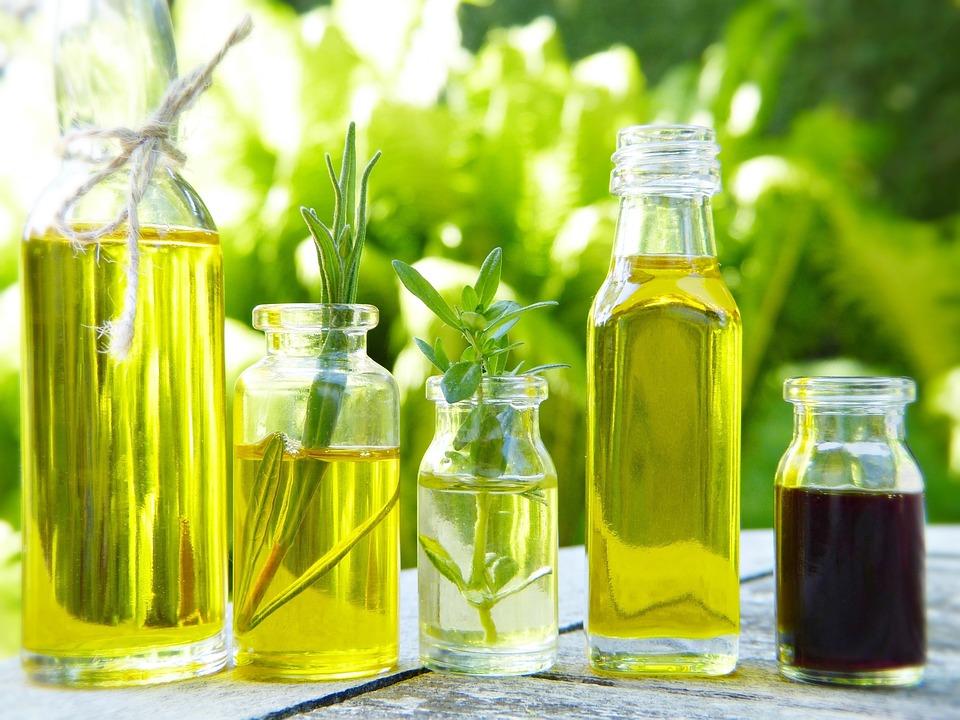 ガラス, ボトル, 油, 天然のオイル, アーモンド, ハーブ, ハーブ油, 化粧品, エッセンシャルオイル