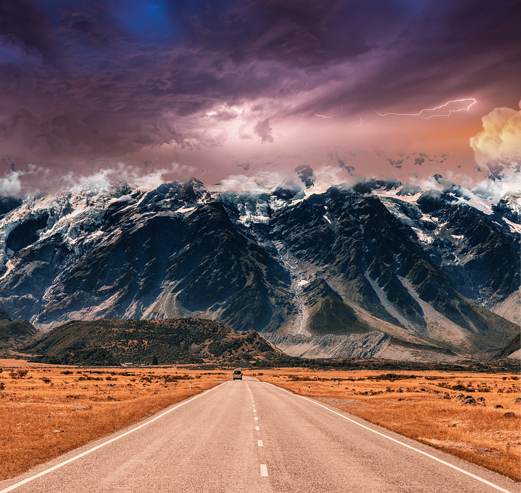 mountains-with-a-thunderstorm-threat-5178236_960_720