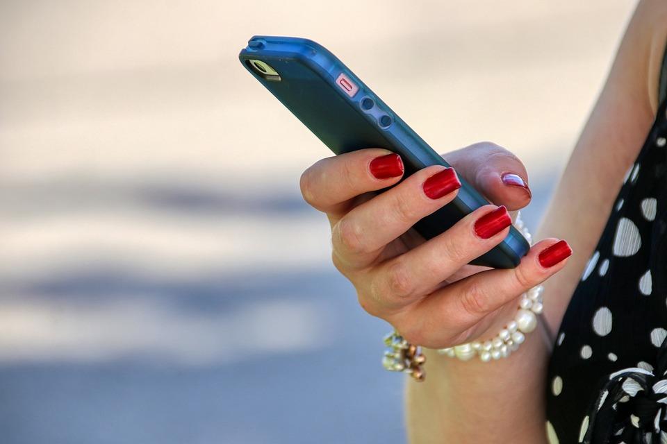 mobile phone 5201597 960 720