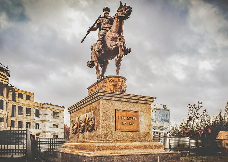 Mazedonien, Statue