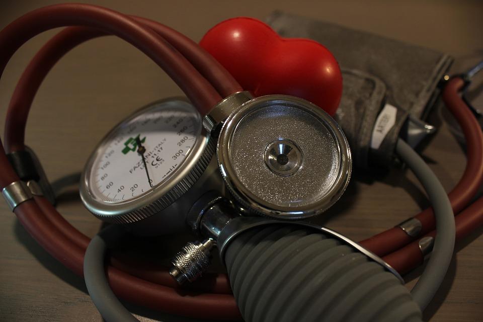 Что делает врач-терапевт как именно он работает и какие болезни лечит