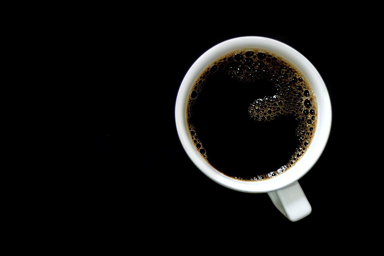5 sygnałów, które może dawać Ci Twój organizm, jeśli pijesz zbyt dużo kawy