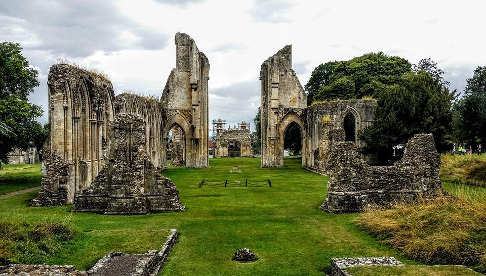 Glastonbury, Abbaye De Glastonbury, Église, Ruines