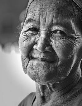 Mor, Gammel Kvinde, Ømhed, Medfølelse