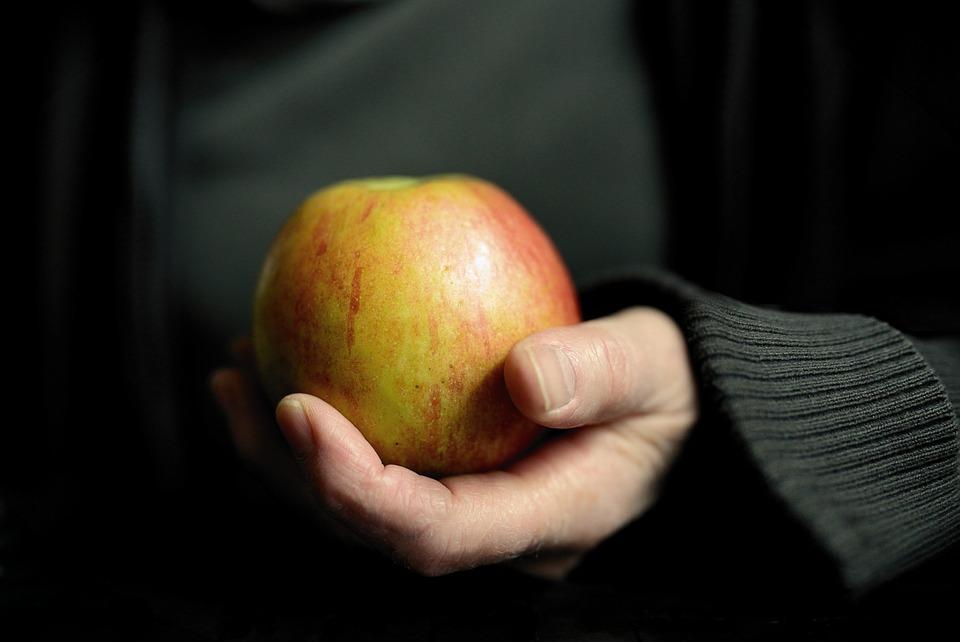 Apple, Tangan, Tetap, Buah, Vitamin, Segar, Makan