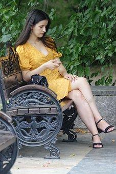 Frau, Junge, Person, Das Gelbe Kleid