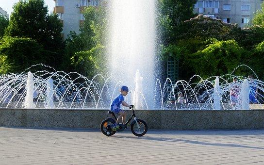 Kind, Junge, Fahrrad, Brunnen