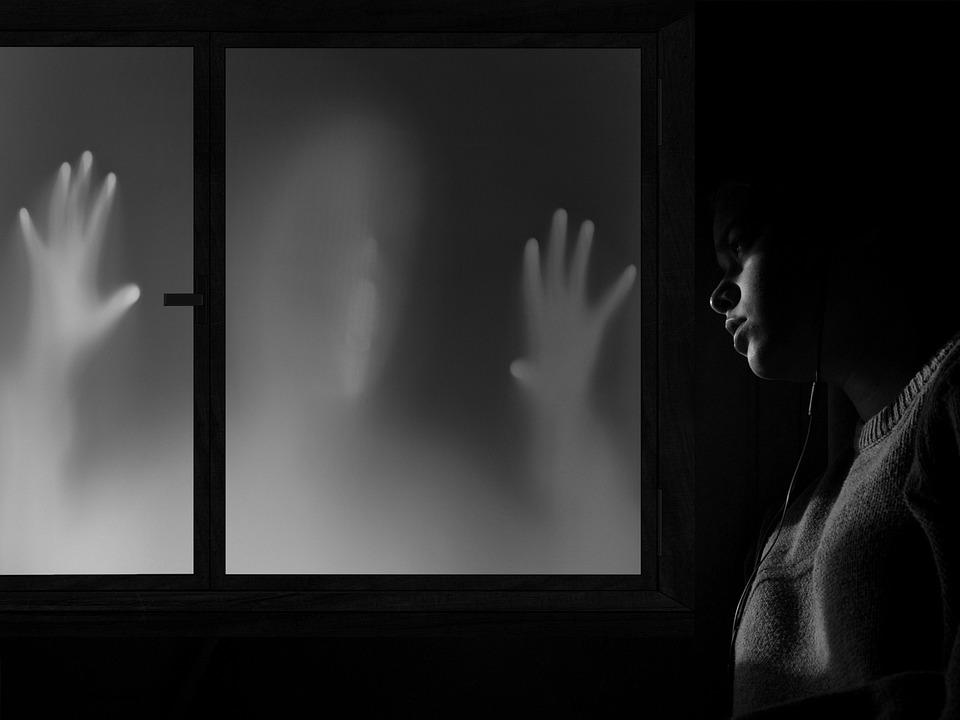 Halloween projector yescomusa window
