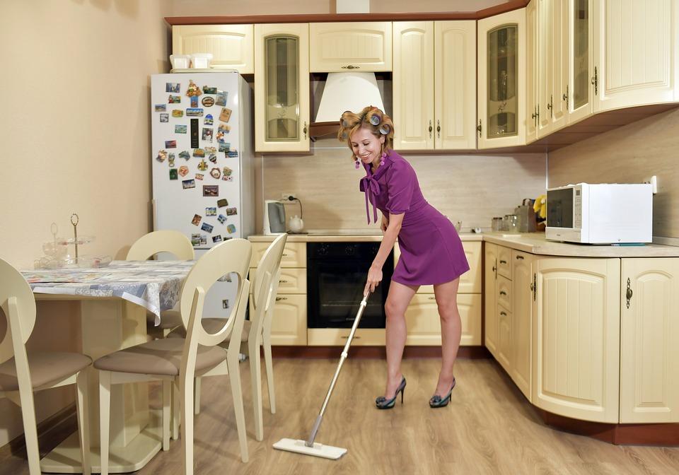 Почистване, Домакиня, Бърша, Кухня, Къща, Жена, Чистота