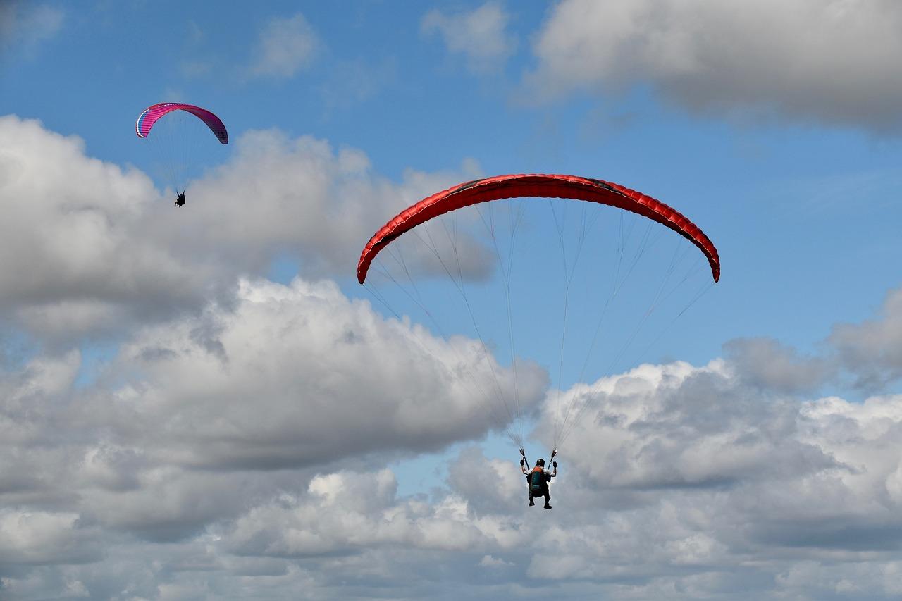 Tandem paragliding in Varkala