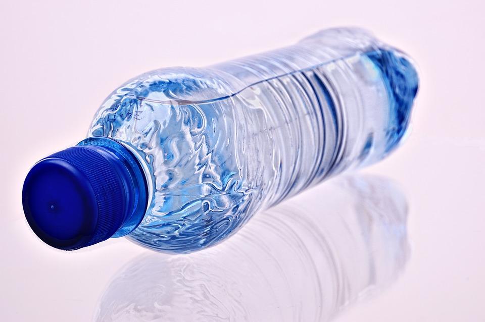 水, ボトル, ペットボトルの水, ミネラルウォーター, 冷却缶のどが渇く, クリア, 液体, ドリンク