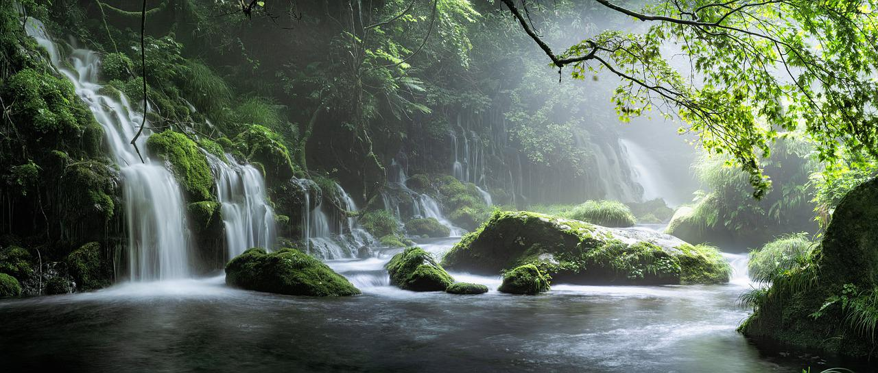 waterfall-5523833_1280.jpg