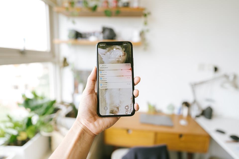 Iphone, 手, 電話, 携帯電話, スマート フォン, 技術, 電話を持っている手, 通知