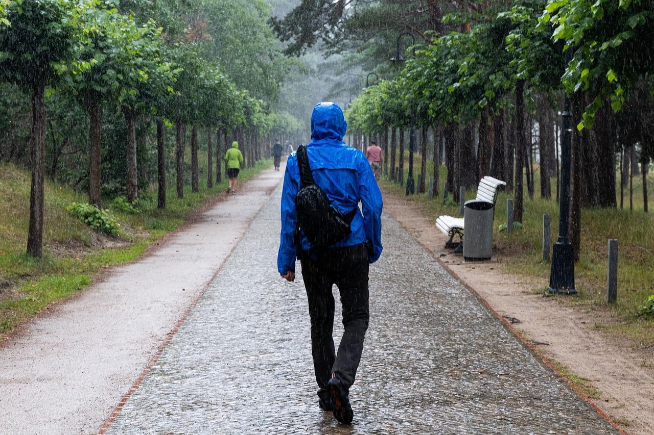 Walking Raining Under The - Free photo on Pixabay