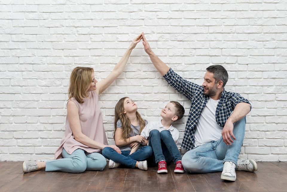 ホーム, 家, 家族, 愛, 夢, 子供, 母, 父, 両親, 女の子と男の子, アイデア, コンセプト