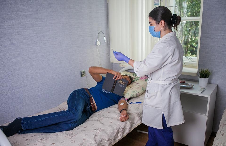 Профессия врач: особенности, плюсы и минусы медицинской специальности