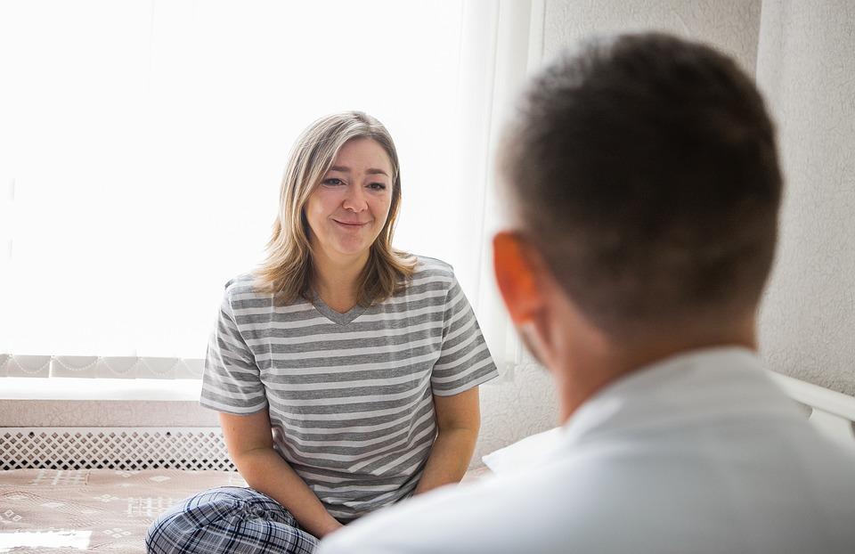 Кто такой психотерапевт что он лечит и с какими симптомами к нему обращаются