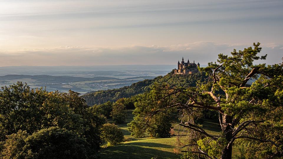 Castle, Fák, Erdő, Hegyek, - krónika