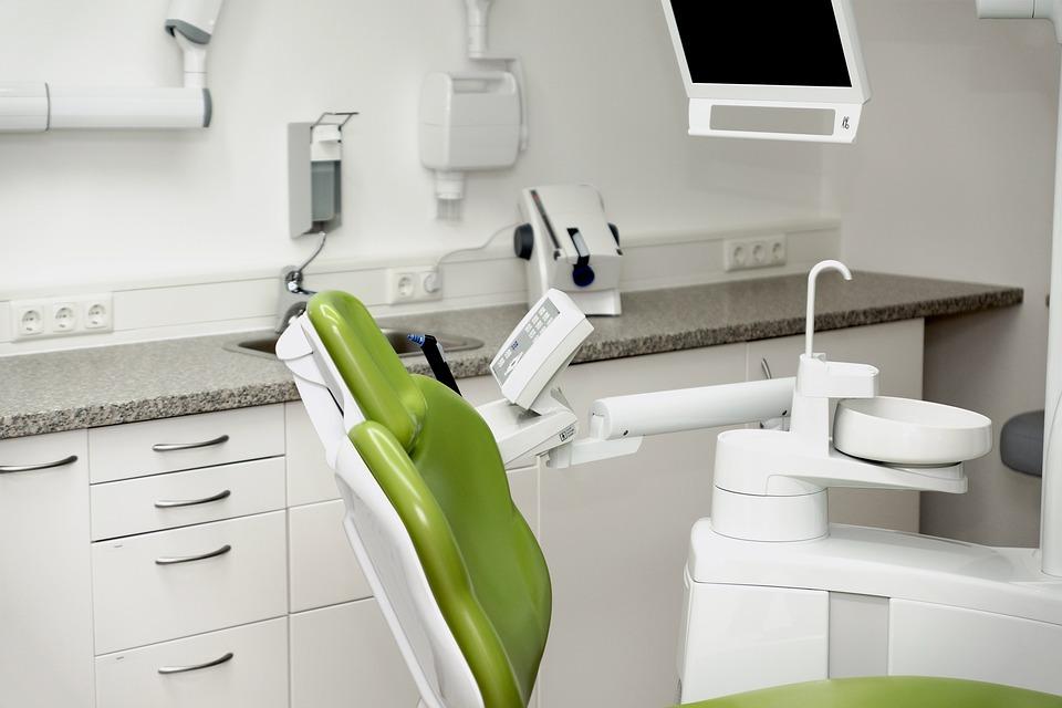 Кто такой зубной врач ортопед и какие еще существуют специалисты в стоматологии