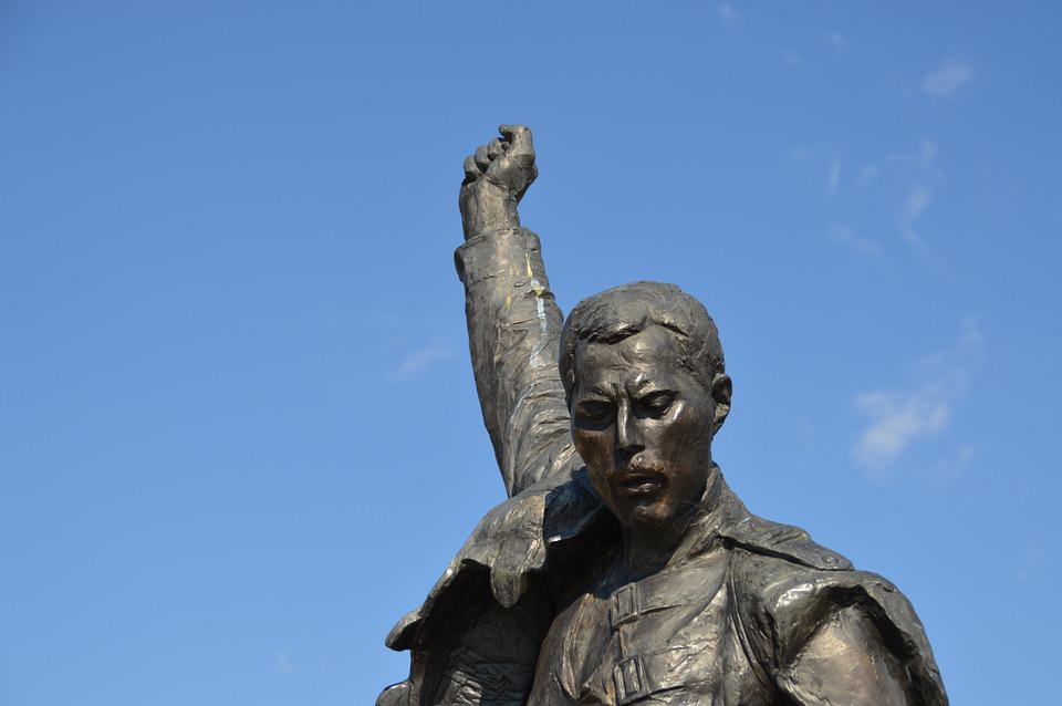 scupture of Freddie mercury-who gave Freddie Mercury AIDS