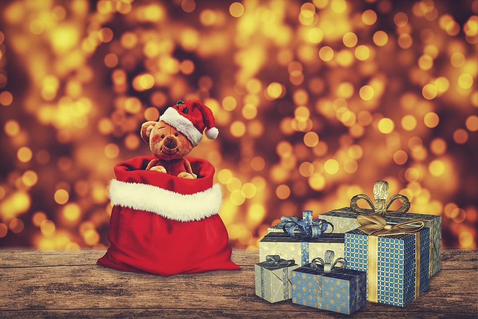 クリスマス, ギフト, テディベア, サンタ帽子, クリスマスライト, ボケ, ぬいぐるみのおもちゃ