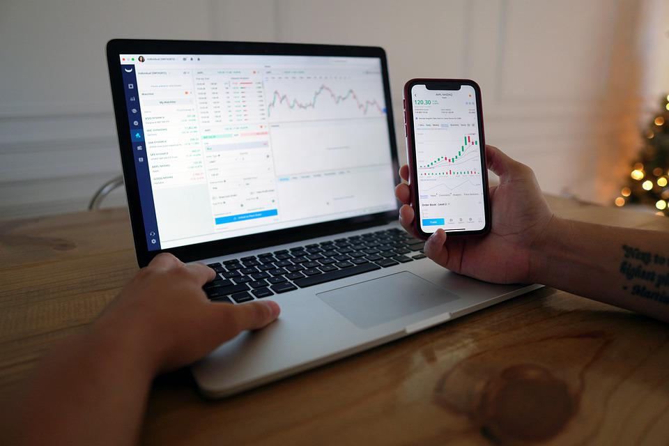 Man, Computer, Stock Trading, Iphone, Hands, Finance