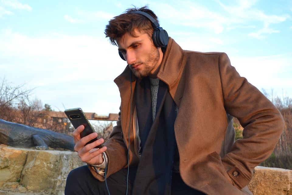 Man, Smartphone, Headphones, Portrait, Headset