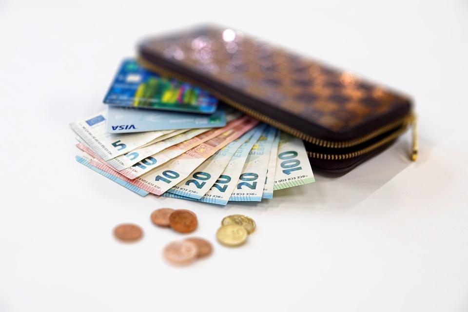ユーロ, お金, コイン, 通貨, 現金, 札, 財布, クレジット カード, デビットカード