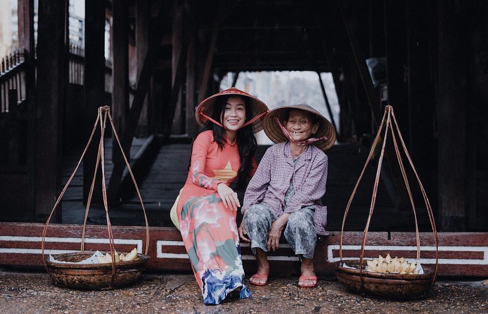 女性, 円錐形の帽子, 肖像画, 笑顔, 幸せ, Nón Lá, 伝統的な帽子, ファッション, 女の子