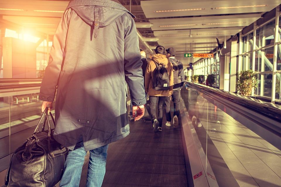 Viajero, Aeropuerto, Equipaje, Vacaciones, El Turismo