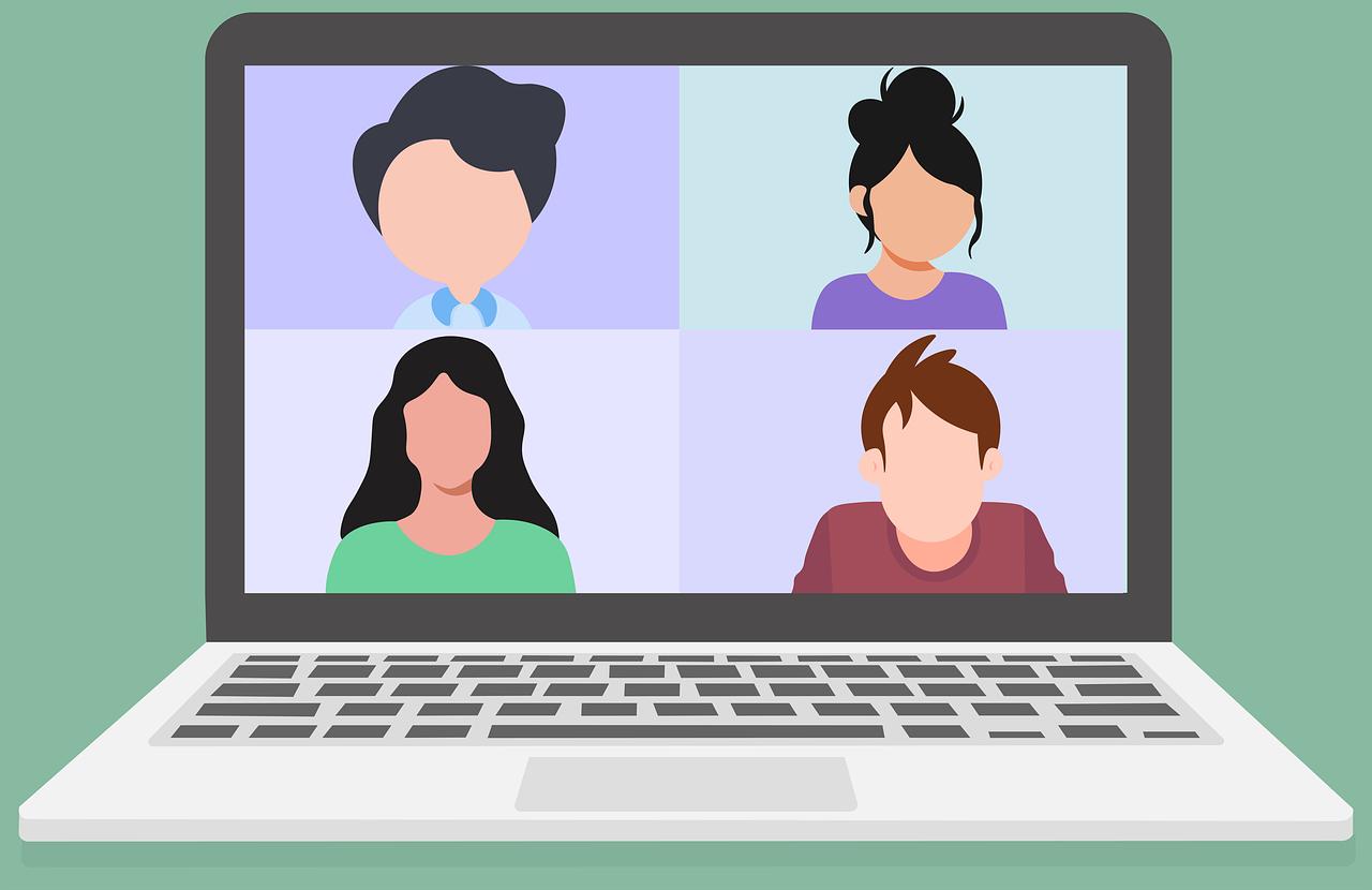 Dibuix de quatre persones en videotrucada a un ordinador. Reflexa la desigualtat educativa en quant a la tecnologia.