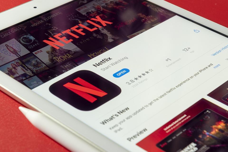 Netflix、Ipad、タブレット、アップル、ソーシャル、ソーシャルメディア
