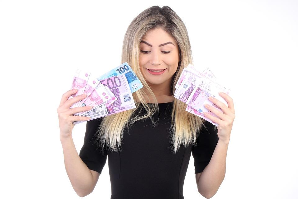 女性, 金持ちの女性, お金, ホールド, ホールディング, お金を持っている, 美しい, 豊かな, 女の子