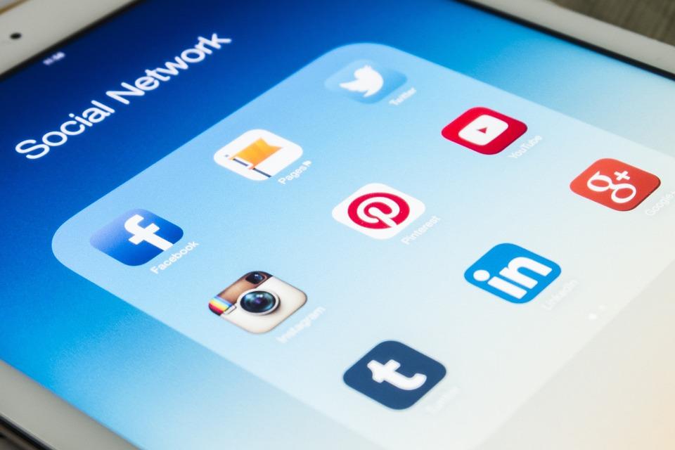 Социалните Медии, Смартфон, Екран, Приложения