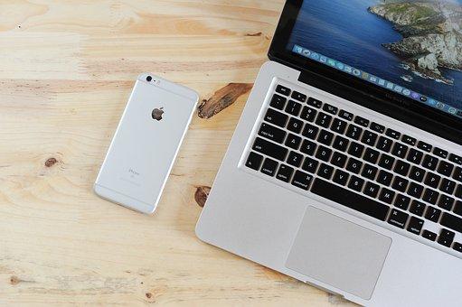 ラップトップ, 携帯電話, テーブル, 電話, Iphone, Macbook