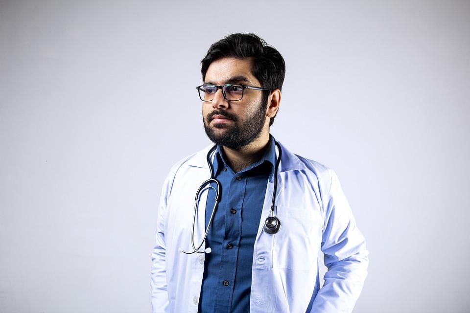 Профессия кардиолог: особенности работы, компетенции, причины обращения, обследование и лечение