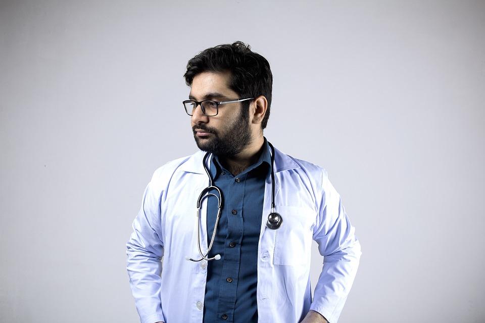 Кто такой семейный врач, чем он занимается и в чем заключаются особенности его работы