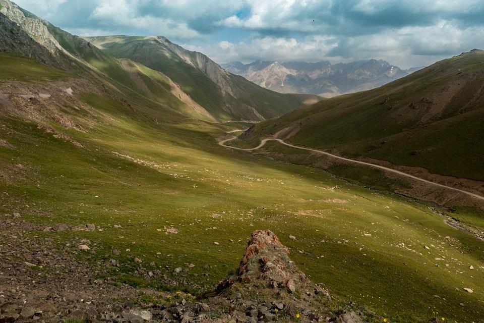Kirghizistan, Vallée De, Nature, Activités De Plein Air