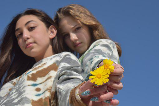 Girls, Teenagers, Flowers, Daisies, Teenage Girl Body