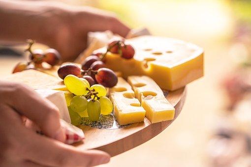 チーズの盛り合わせ, 食品, スナック, ブドウ, チーズ, チーズ プレート|Emotifブログ
