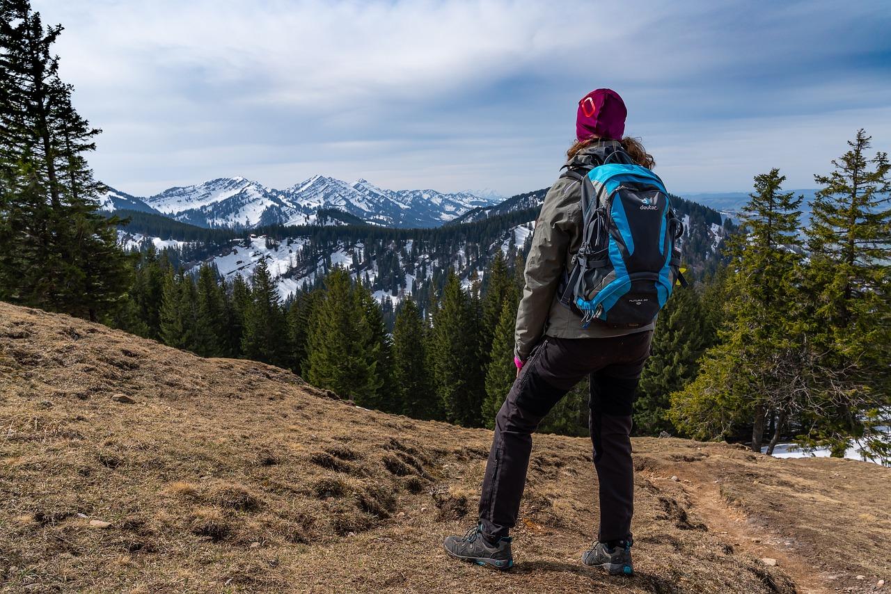 Górskie wędrówki biją na głowę zwykłe spacery. To doskonały trening dla ciała i umysłu