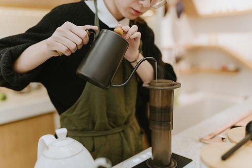 バリスタ, コーヒー, 準備, 注ぐ, 醸造, カフェイン, ドリンク