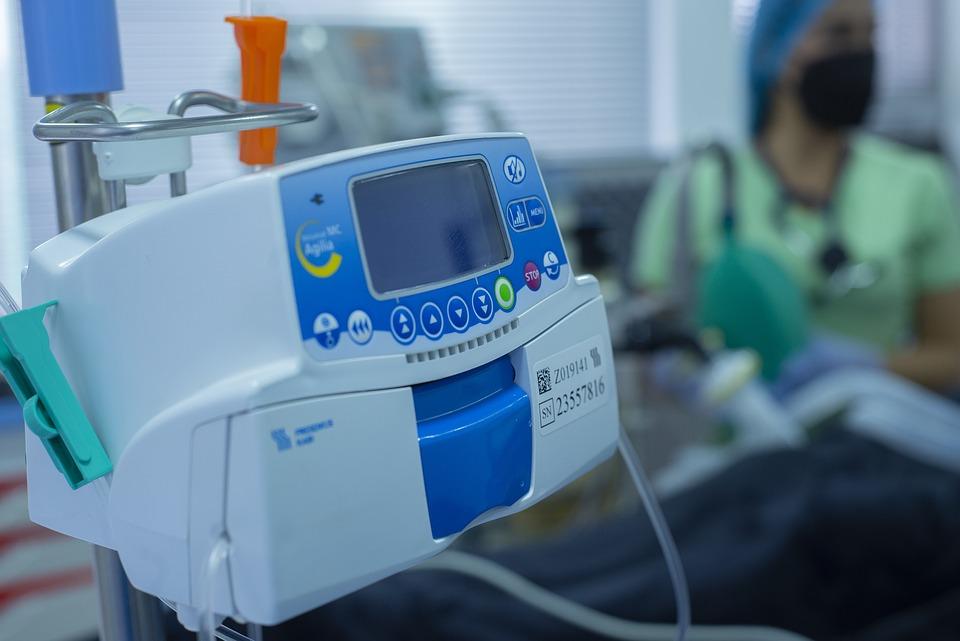 Кто такой анестезиолог-реаниматолог чем он занимается и какие особенности его работы