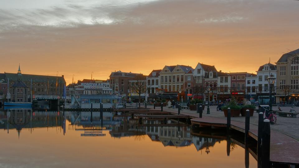 Leiden from Amsterdam