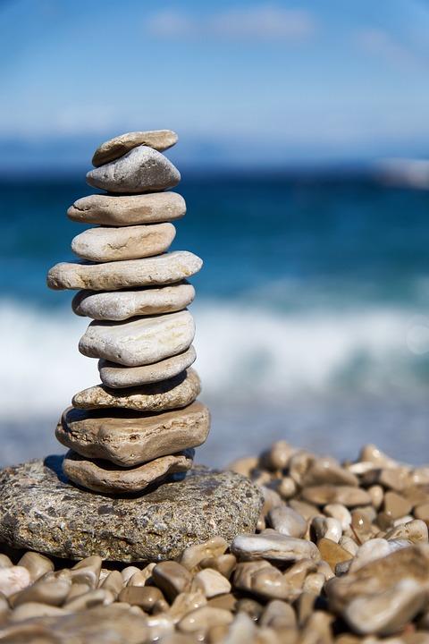石, 残高, バランスの取れた岩, バランスの取れた石, 川岸, ビーチ, 瞑想, 禅, マインドフルネス