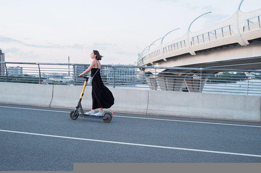 女性, 電動スクーター, 街, スクーター, 交通機関, 市, E-スクーター
